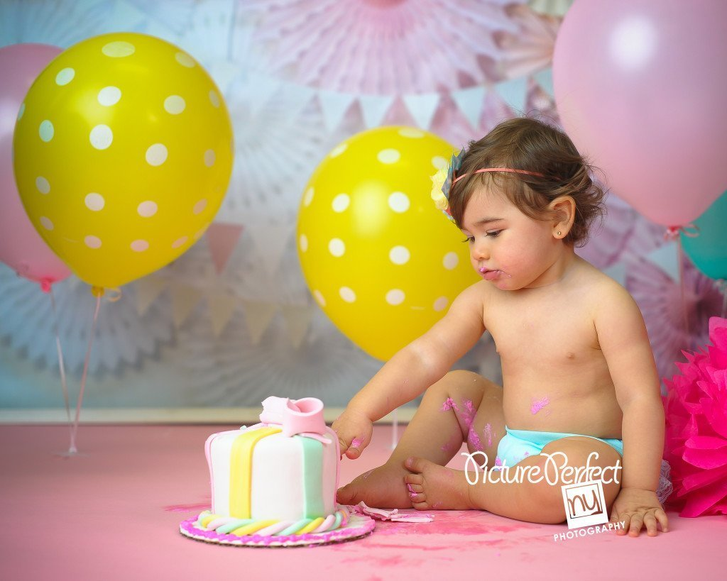 Smash Cake | First Birthday Brooklyn, NY Baby Photographer