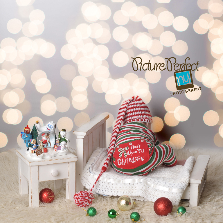 Christmas baby photography