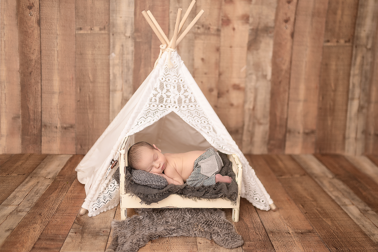newborn baby in the teepee nyc photographer newborn