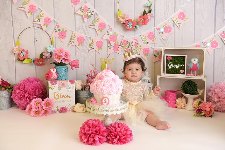 nyc smash cake photographer floral theme