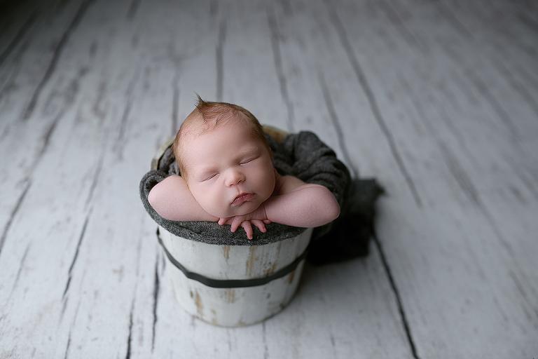 nyc newborn photographer bucket