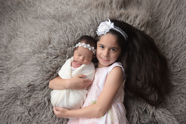 nyc newborn photographer best friends sisters