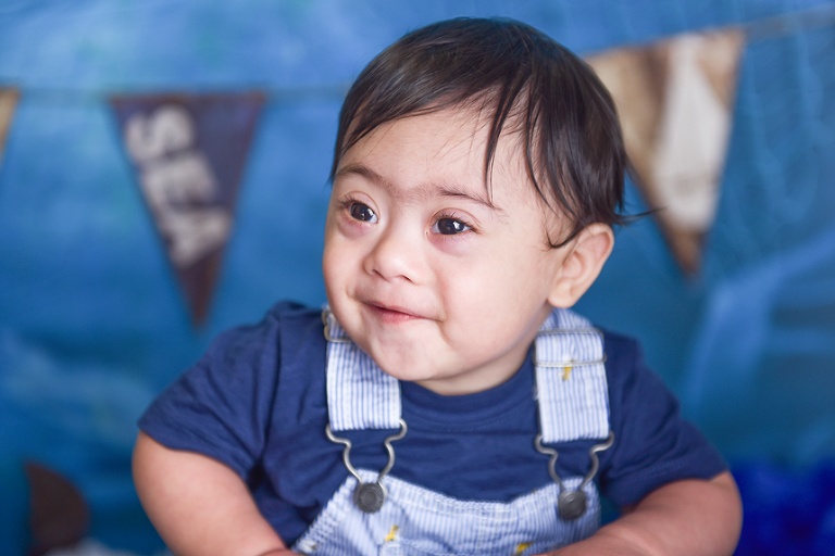 nyc photographer captures smiles of special pecial needs child