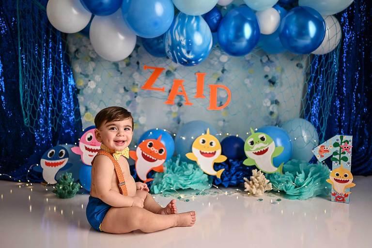 best portrait photographer nyc baby shark pre-cake smash